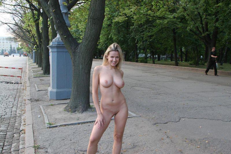 russkiy-porno-film-dve-devushki-i-paren