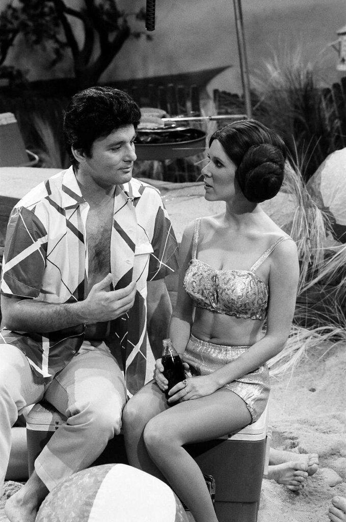 Bill Murray woos Princess Leia at the beach.jpg