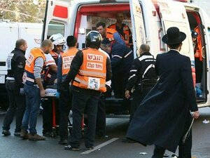 Палестинец на автомобиле сбил пять израильских военных