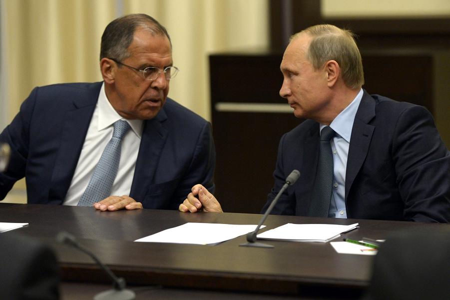 Путин и Лавров на встрече с Аббасом, 22.09.15.png