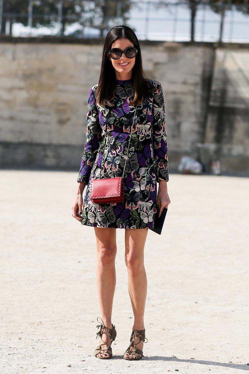 мини платье с длинным рукавом и с принтом, уличная мода Парижа 2015