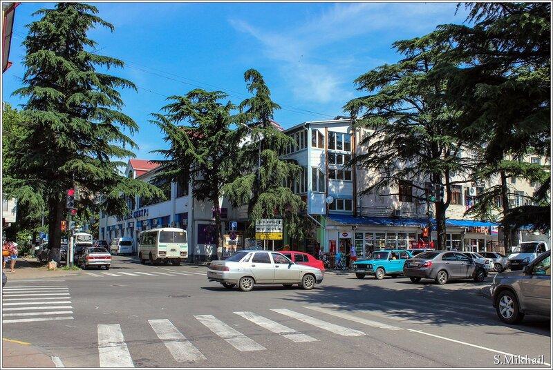 Торговый центр на ул. Жукова