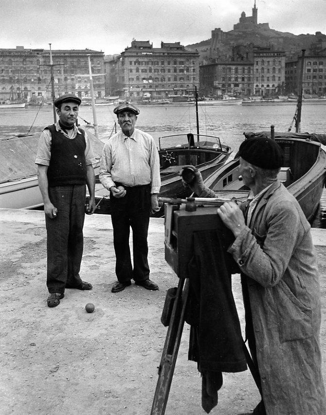 1950. Фотограф и рыбаки, Марсель