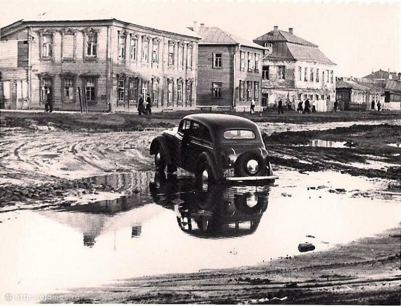 Фото нач. 1950-х гг. Собчинского В.В. из архива Яковлевой Т.В.Примерно возле современных домов 8, 10, 12 по Старомарьинскому шоссе.jpg