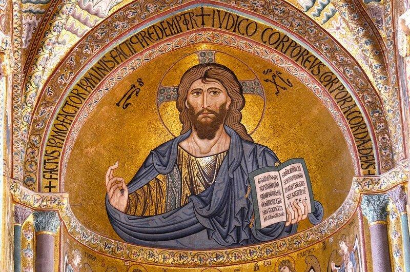 Христос Пантократор. Мозаика собора в Чефалу, Сицилия. 1140-е годы.