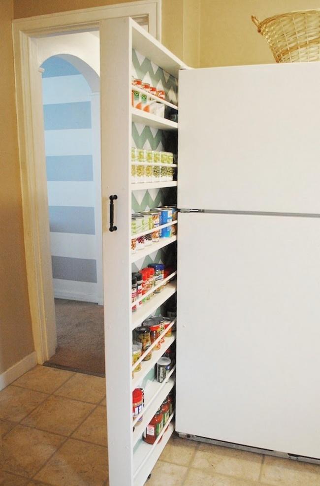 decorismo 4. Вместо традиционной бутылочницы закажите выдвижной шкаф для кухонной утвари.