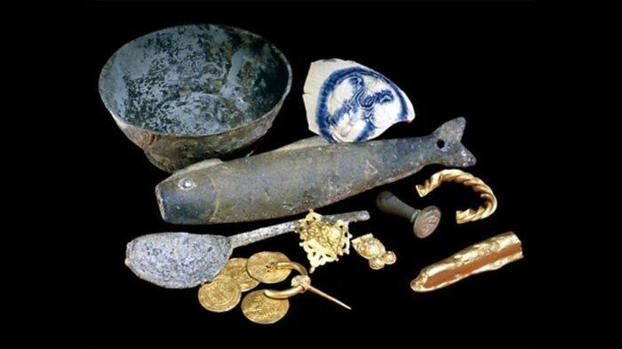 Артефакты, найденные у берегов Девона в Англии (200 и 900 г. до н.э)..jpg