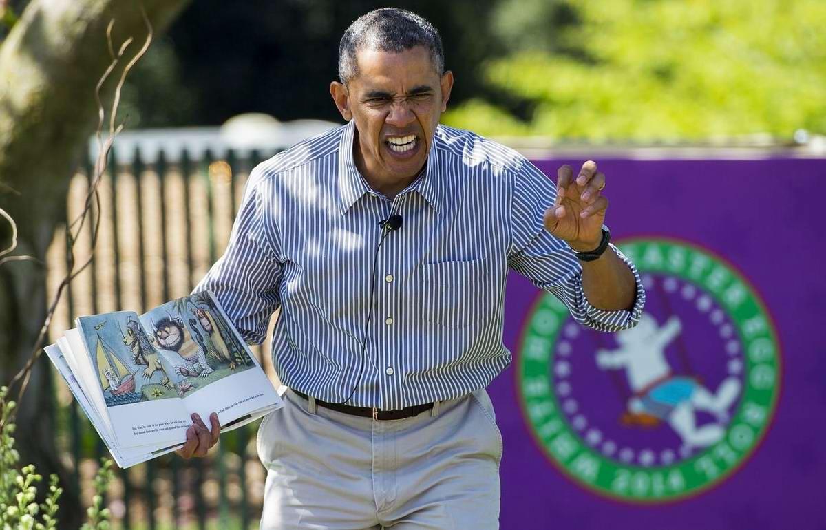 Не ходите дети в Африку гулять: Обама читает книжку у Белого дома (5)