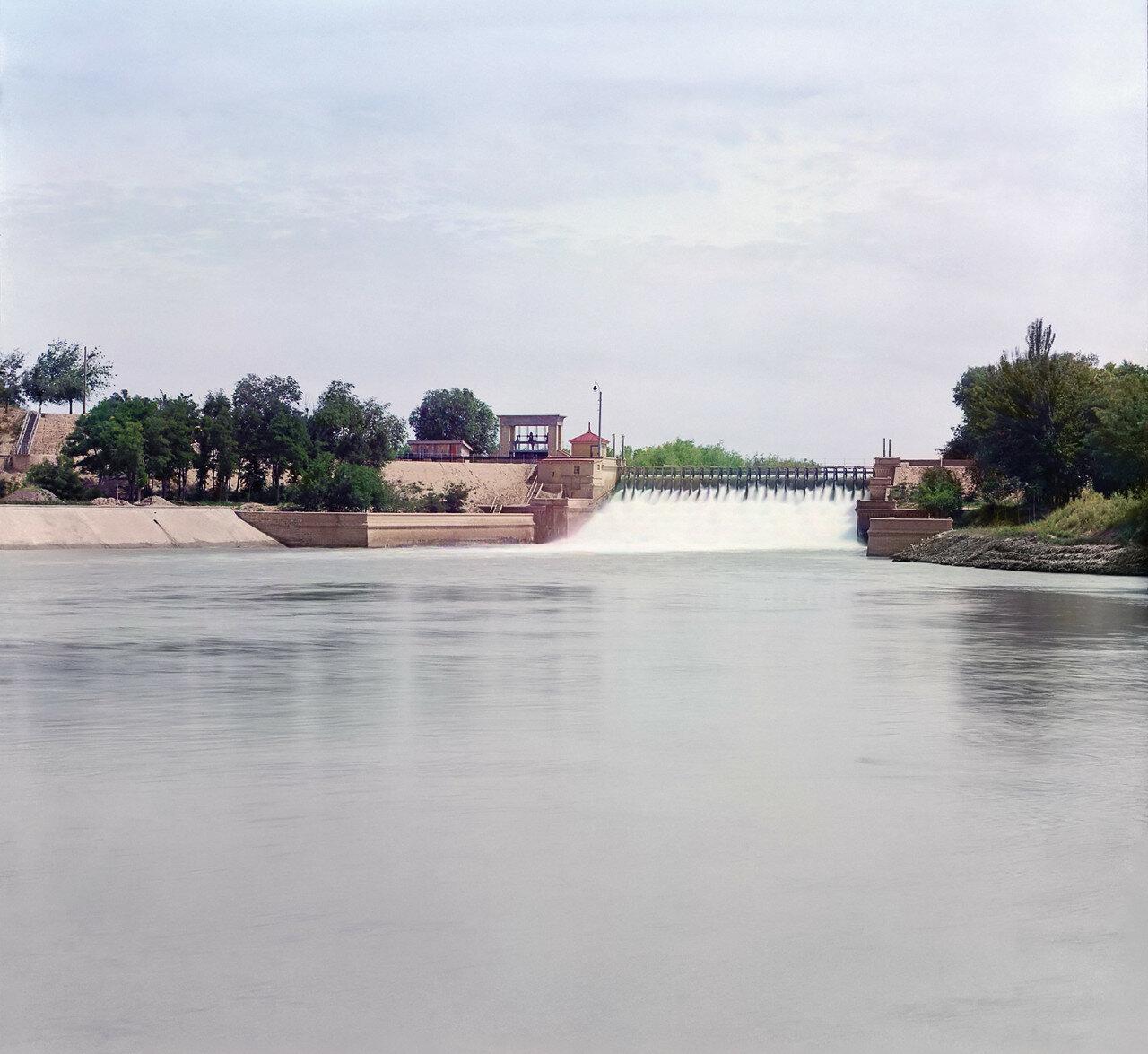 Окрестности Мерва. Байрам-Али. Мургабское имение.Общий вид электрической станции в Гундукуше