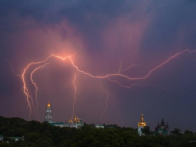 Синоптики прогнозируют штормовое предупреждение
