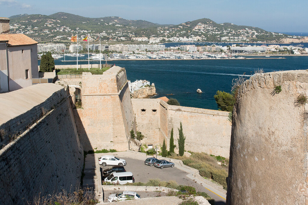 Гавань Ибицы и крепостные стены