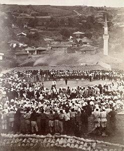 Российские солдаты слушают болгарский хор, Сентябрь 1877.