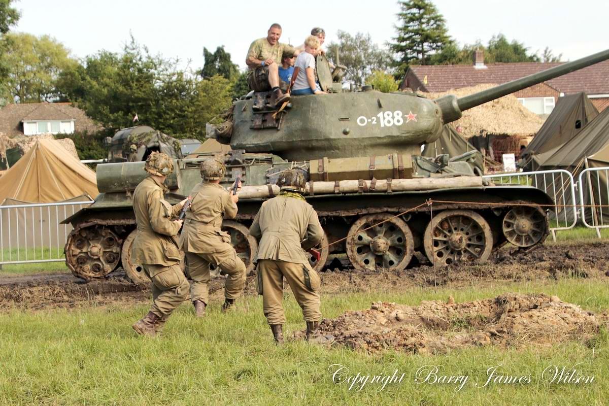 Солдаты Советской Армии в британских реконструкциях сражений 2-й мировой войны (28)