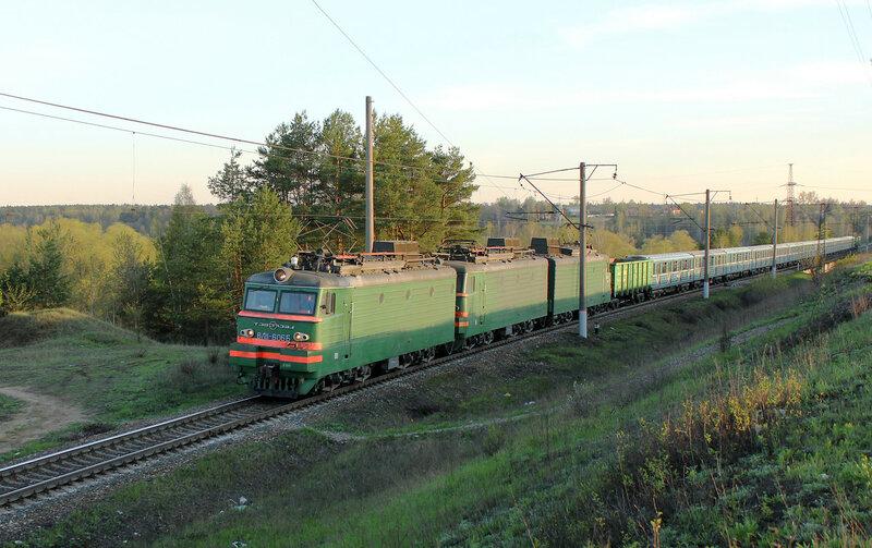 ВЛ11-606 с 12 метровагонами на перегоне Лукино - Манихино-2