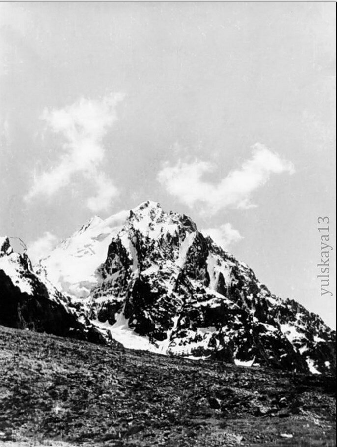 21. Караульчи-тау. Высота 4504 метров. Август 1957