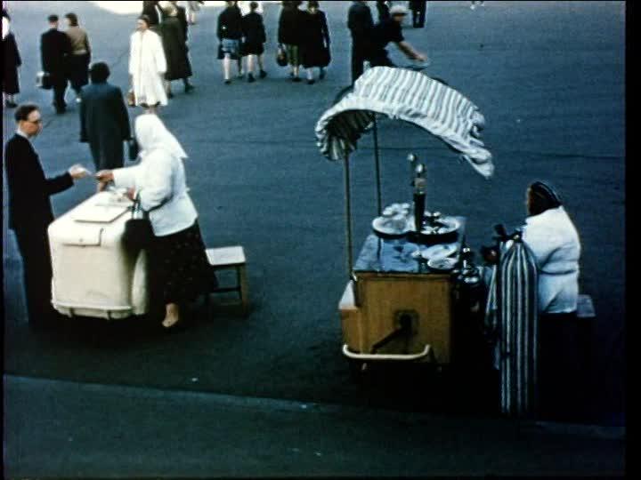 1956 leningrad-street-vendor.jpg
