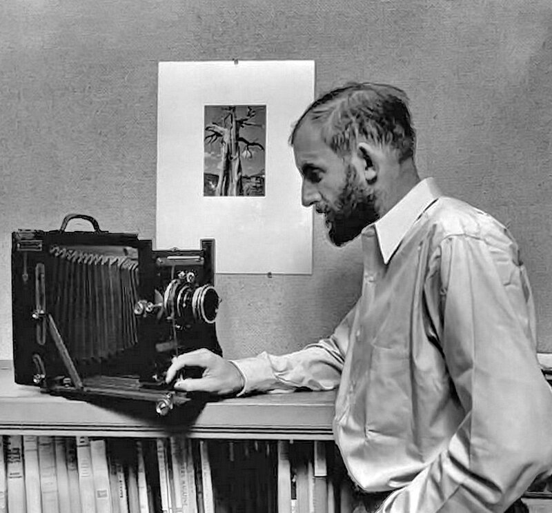 1936 Ansel Adams with his camera.jpg