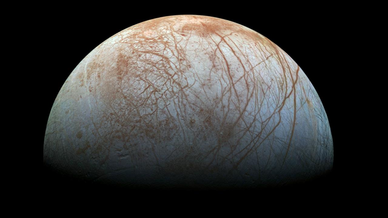 20 лет назад аппарат «Галилео» пролетел через водяной выброс Европы