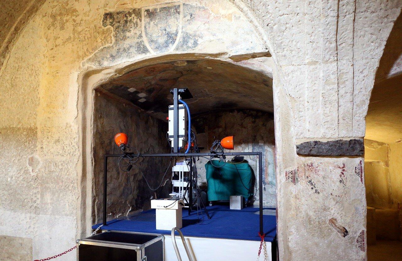 Искья, Арагонский замок.Родовая крипта в соборе Успения (Cripta gentilizia della Cattedrale)