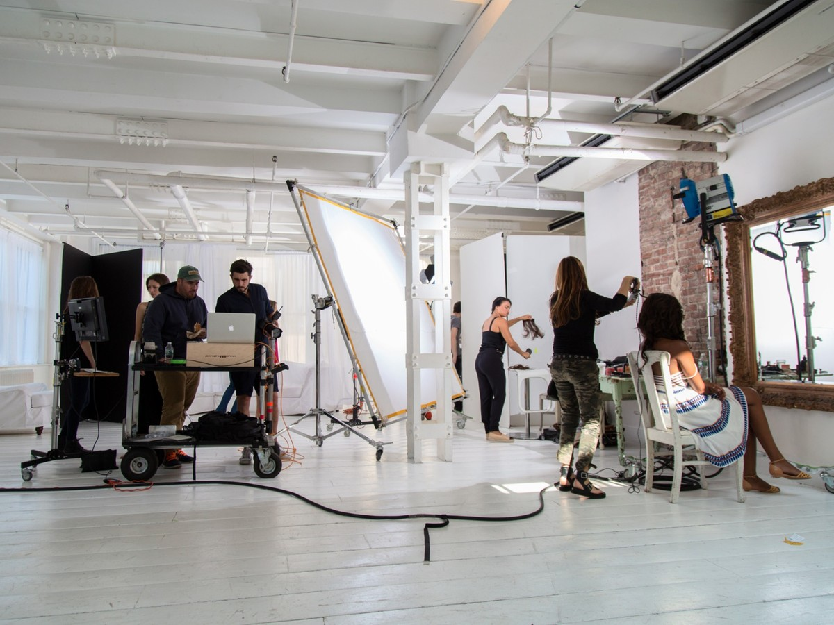 Секреты съемок сексуальных моделей: как работает конкурент Victoria's Secret (19 фото)