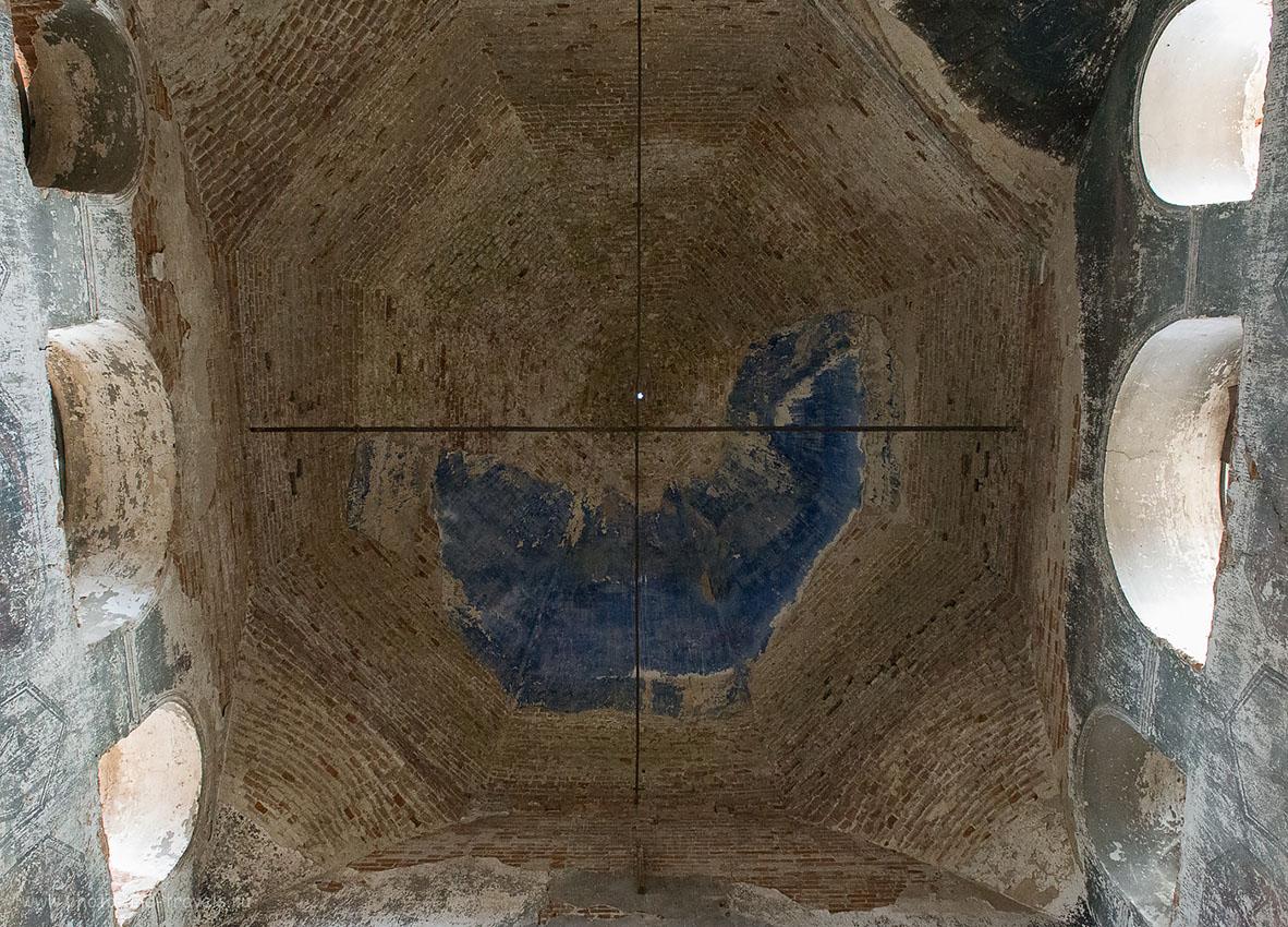 9. Купол. Заброшенная церковь (ИСО 12'800, ФР-24, 8.0, 1/100)