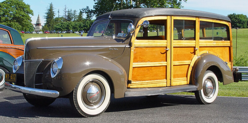 1940-Ford-Deluxe-Woody-Station-Wagon-fa-lr.jpg