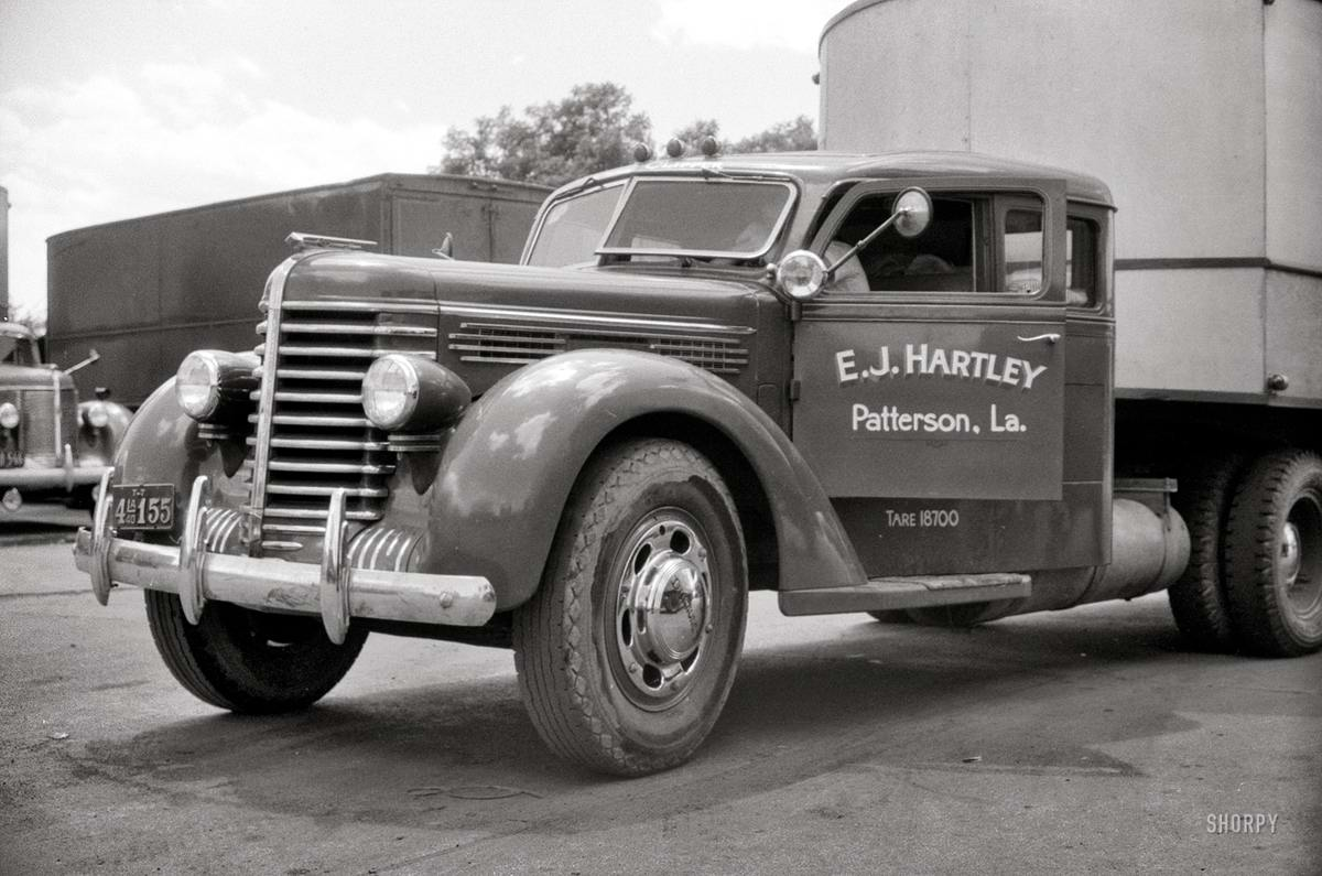 Специализированные транспортные средства начала 20-го века на снимках американских фотографов (66)