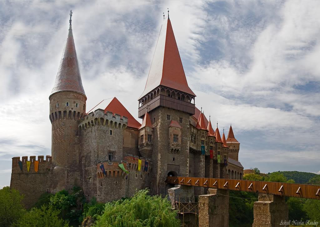 Castelul_Corvinilor_by_Askjell.jpg