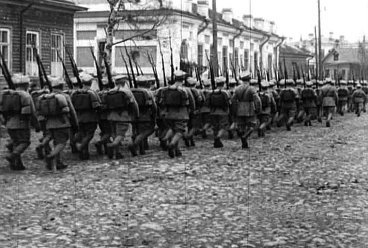 arkhangelsk_1919_pol_parade_9.jpg