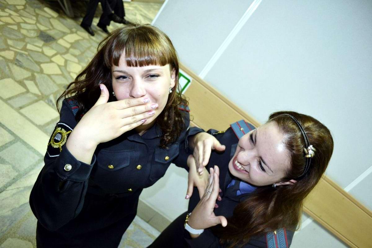 Моя милиция меня бережет: Лица девушек из российской полиции (121)