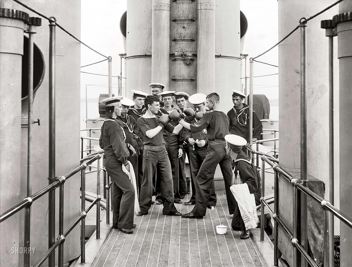 Корабли, речные суда и военные моряки на снимках американских фотографов конца 19 века (26)