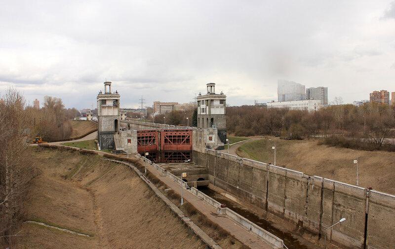 Канал имени Москвы, вид на Калязин