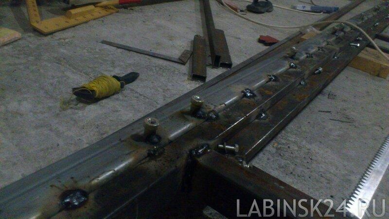 Как приварить зубчатюу рейку к балке откатных ворот