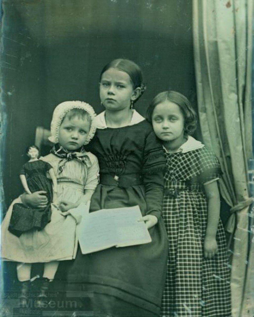1850-1855. Группа детей