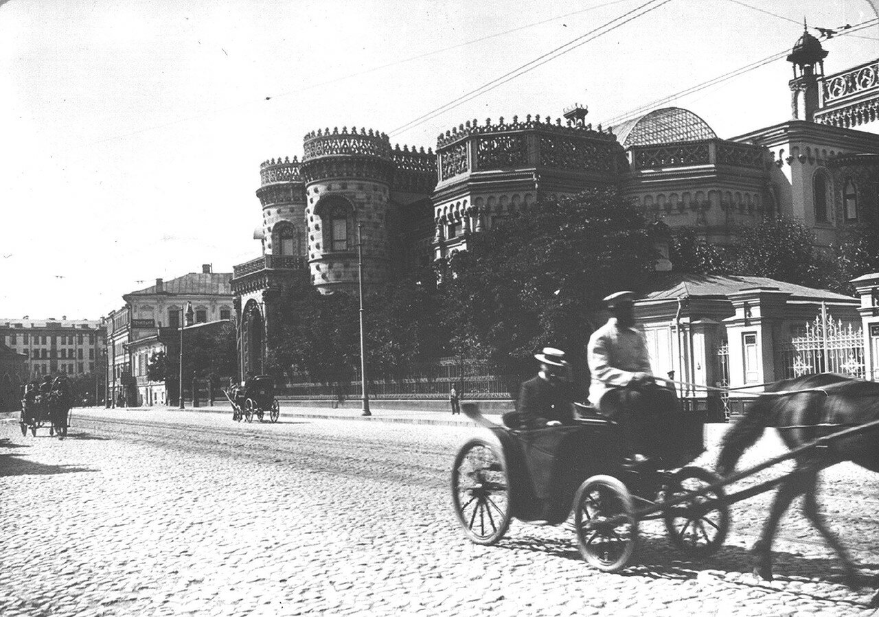 194. Воздвиженка. Особняк Морозова. 1914