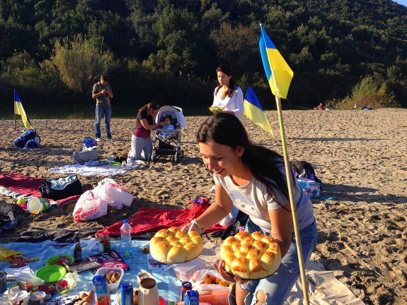 встреча украинцев в Черногории на пляже ЯЗ
