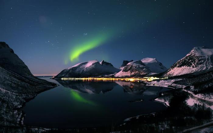 Красивые фотографии полярного сияния 0 10d635 717036f3 orig
