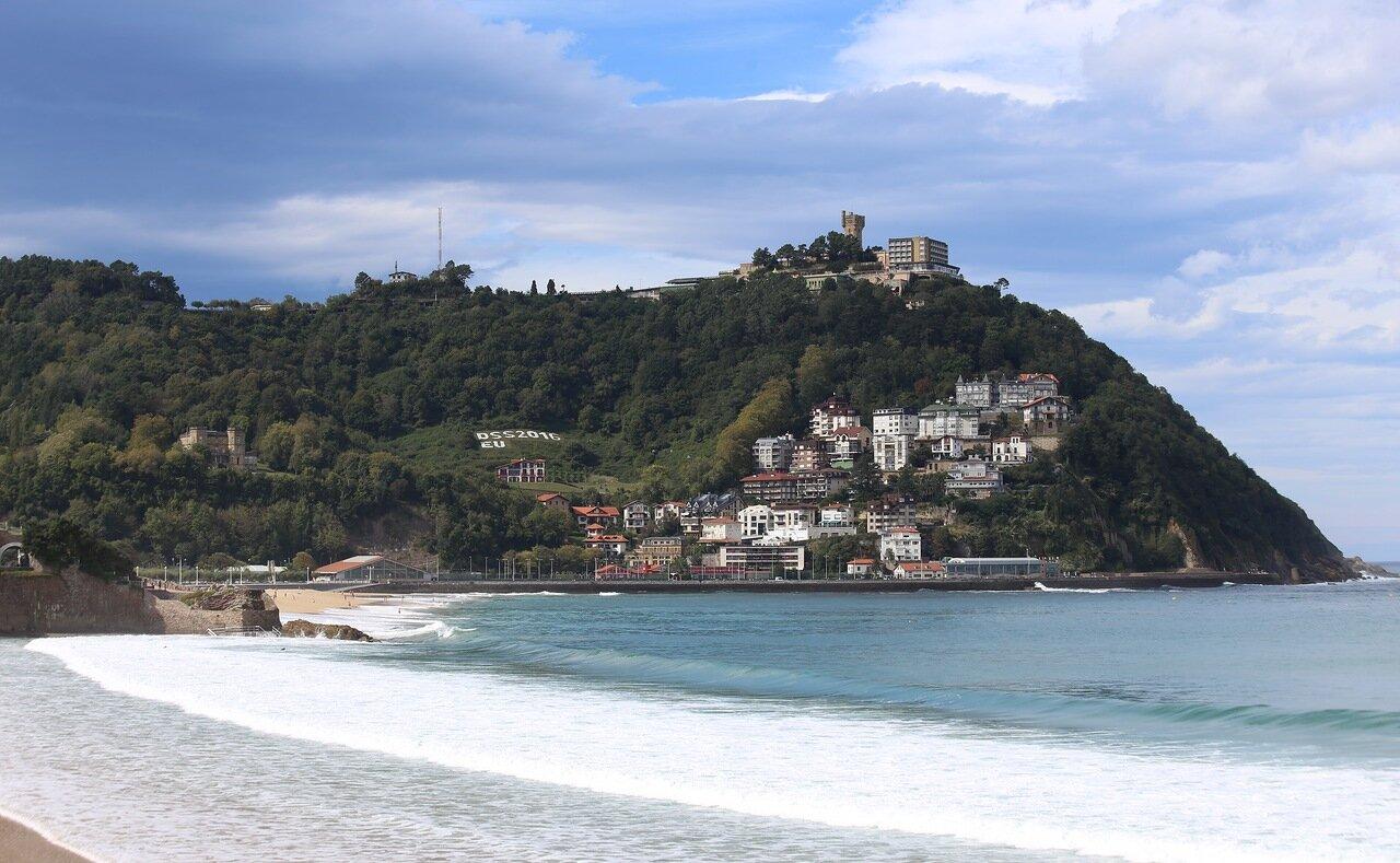 Доностия-Сан-Себастьян. Набережная и пляж Ондаретта (Playa de Ondarreta). Гора Монте Игельдо.