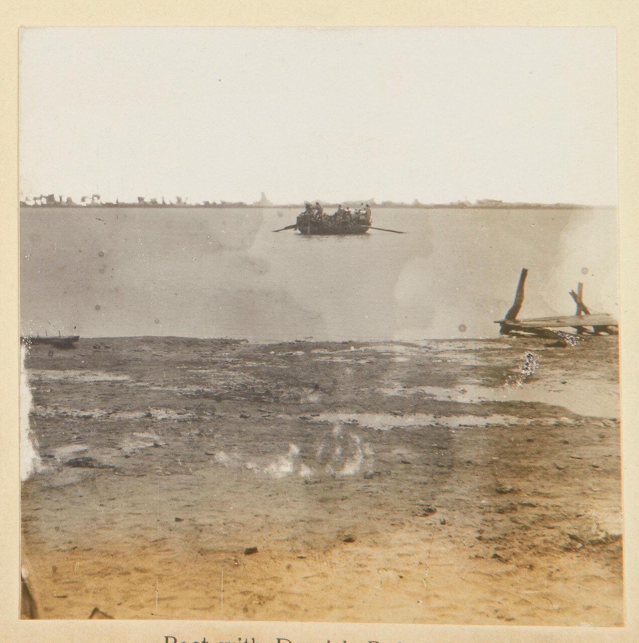 Лодка с беженцами дервишей. 1898