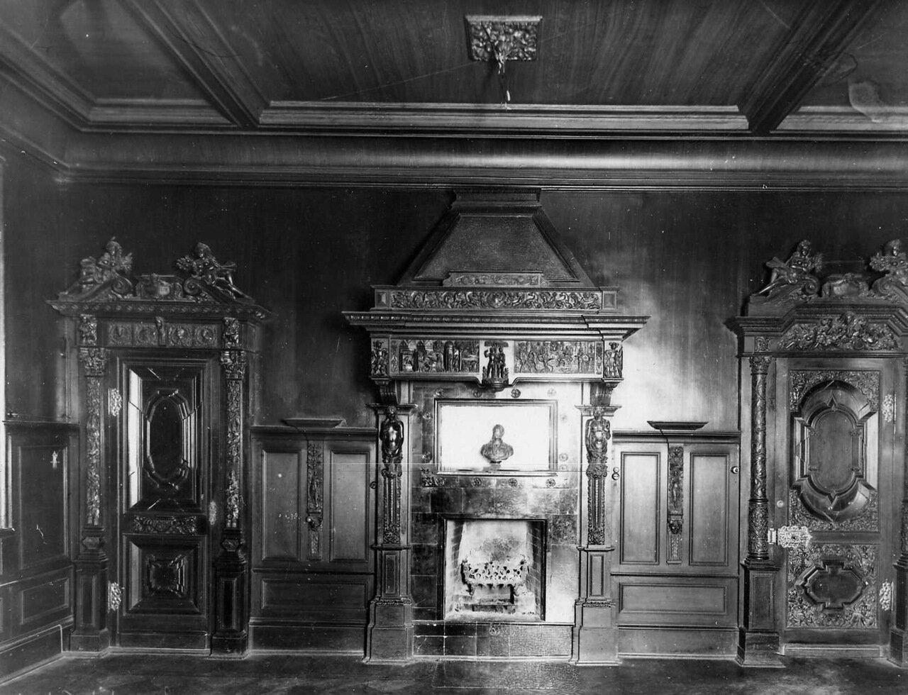 25. Одна из комнат клуба. 1912