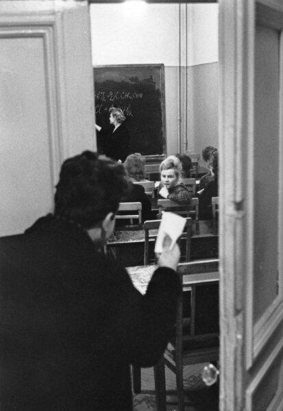 Вечерняя школа. Автор Дубинский Григорий, 1960.jpg