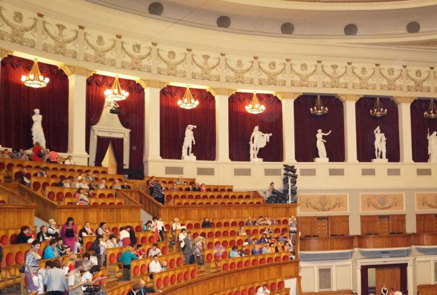 Кехман снимает срепертуара Новосибирского театра оперы ибалета еще три спектакля