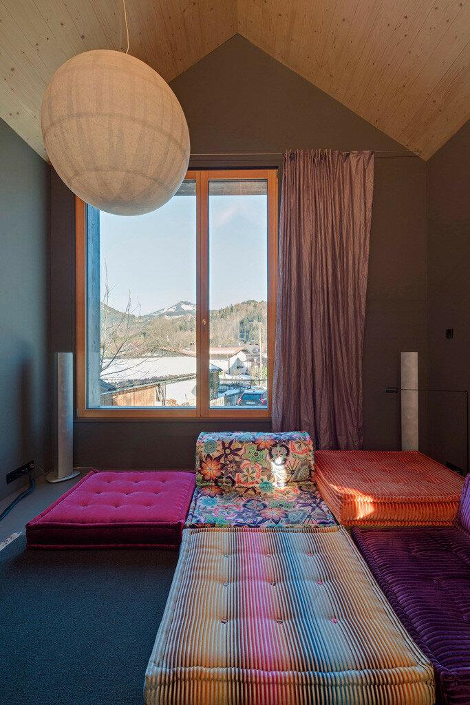 gut_feeling_modern_house_bed_breakfast_bavaria_mountains-16.jpg