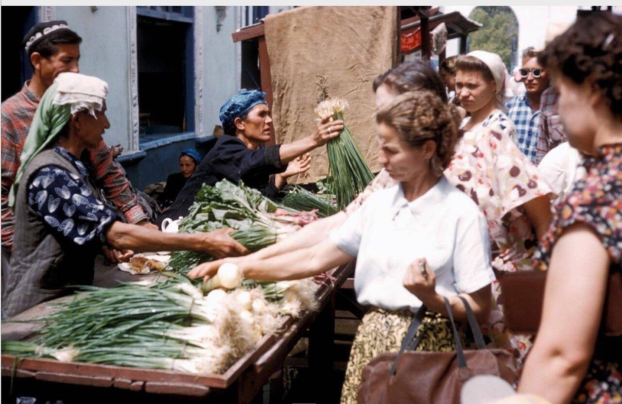 Ташкент. На местном рынке