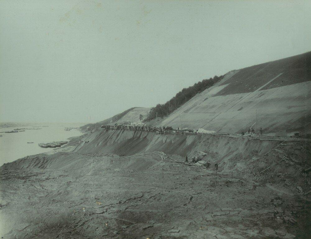 26. Вид кавальера из разобранных обвалов на 280 - 281-й версте