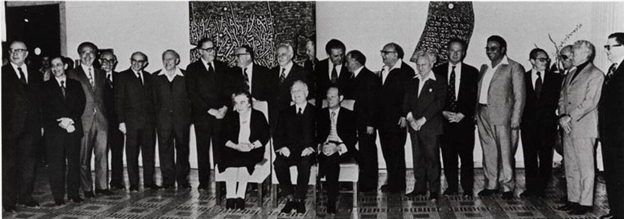 1969.  Голда Меир, новый премьер-министр,  Игаль Алон и президент Шазар