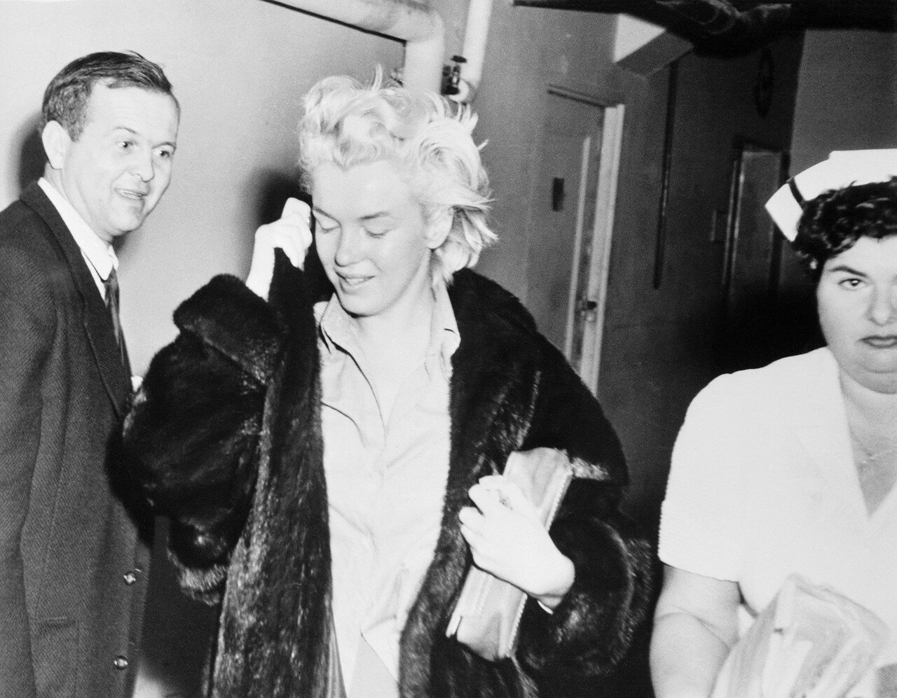 Marilyn Monroe Leaving Hospital