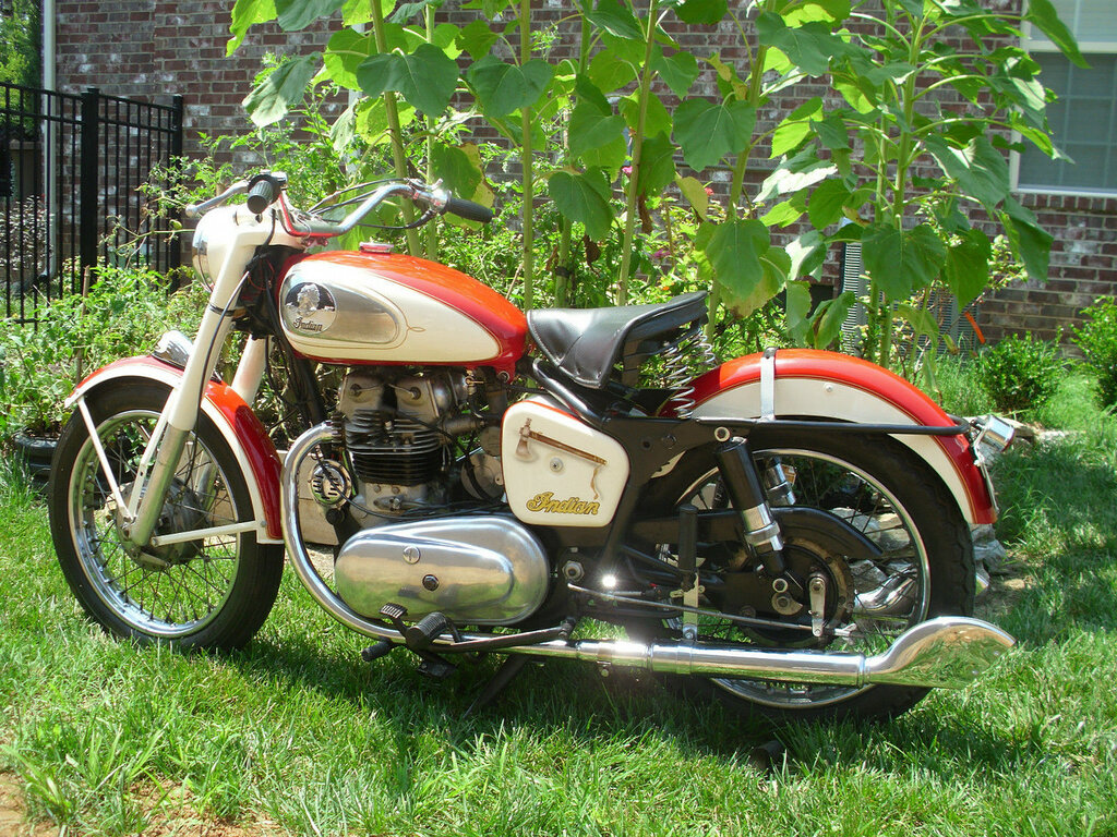 Royal-Enfield-Indian-Tomahawk-1958-1.jpg