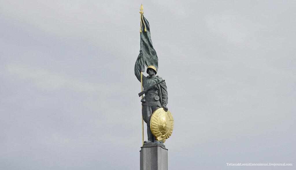 Памятник героям Советской армии в Вене