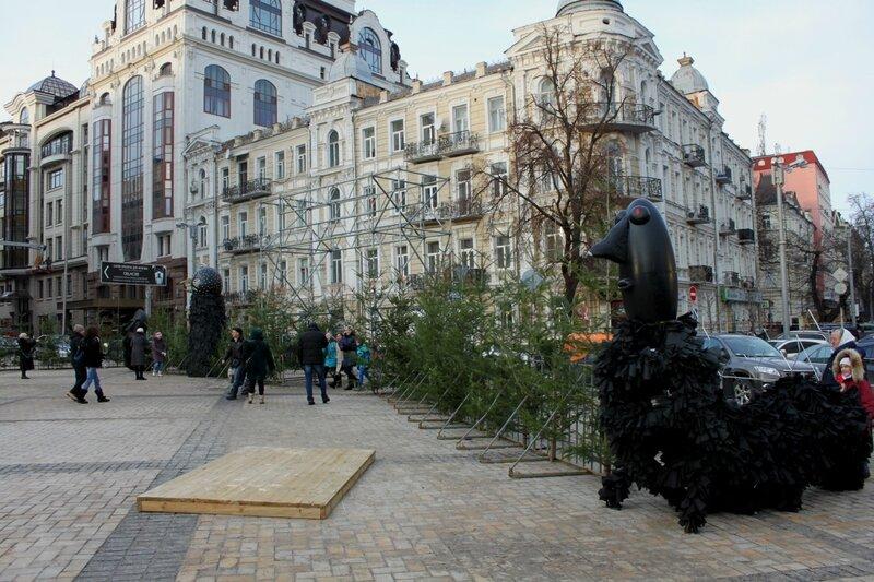 Выставка арт-инсталляций на Софиевской площади